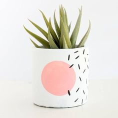 s Style Memphis design small planter for succulent or cactus modern abstract geometric Long live the in these hand painted modern geometric planters based off of Memphis design style Each planter will have a white base and a color. Painted Plant Pots, Painted Flower Pots, Decorated Flower Pots, Memphis Design, Cement Planters, Diy Planters, Succulent Planters, Garden Planters, Succulents Garden