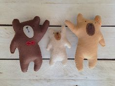Felt stuffed Mama Daddy and Baby Bear by childrenstreehouse