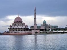 Mesquita de Putra, ou Masjid Putra em Putrajaya, Malasia
