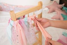 チュチュスカートの作り方⑤|ARCHDAYS Baby Tutu, Baby Dress, Pamper Party, Unicorn Birthday Parties, Handmade Baby, Kids And Parenting, Fabric Crafts, First Birthdays, Diy And Crafts