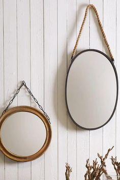 Voeg iets extra's toe aan je interieur met deze sfeervolle zwarte spiegel van Mica Decorations. De spiegel heeft een chique look. Een echt bijzondere aanwinst voor je interieur. #spiegelslaapkamer #spiegelwoonkamer #spiegelbadkamer #fonQnl #fonQinhuis #MicaDecorationsspiegel #spiegelzwart #spiegelzwartmetaal #wandspiegel Tree Art, Mirror, Bathroom, House, Furniture, Mary, Home Decor, Shabby Chic, Full Bath