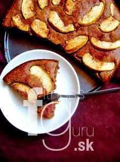 Vláčný jablečno-datlový koláč