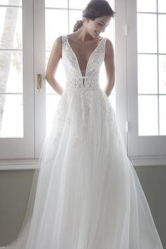 Vestiti Da Sposa Quagliata.8 Fantastiche Immagini Su Alessandra Rinaudo Bridal Couture Alta
