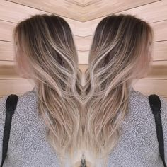 """Cool-tone, soft #babylights are the key to a perfect LA ""Winter"" blonde. @ablast's color à la @lizyjung!! #californiagirl"""
