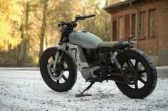 Yamaha SR 500 redesign by Lars Gustavsson | Sweden. My cousin did this!