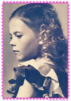 NATALIE WOOD (1946)