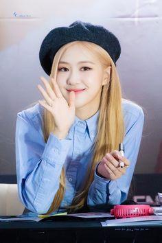 "rosé pics on Twitter: ""191012 cr. Allurelove_rose… "" Kim Jennie, Yg Entertainment, South Korean Girls, Korean Girl Groups, Rose Pic, Kim Jisoo, Park Chaeyoung, Kpop, Female Singers"