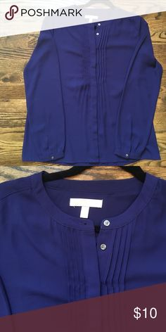 Purple Banana Republic Blouse Purple, button down Blouse. Loose fitting, tunic style. Excellent condition Banana Republic Tops Blouses