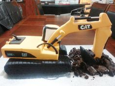 Excavator Cake More Digger Cake, Digger Party, Fondant Cakes, Cupcake Cakes, Construction Theme Party, Construction Cakes, Excavator Cake, Dump Truck Cakes, Jaffa Cake