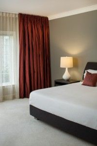 When you want to add refinement to a room, using silk drapes is a great choice. Other times the classic look of linen drapes is exactly what a room needs. Silk Drapes, Drapes Curtains, Drapery Designs, Custom Drapes, Window Coverings, Window Treatments, Home Decor Pictures, House Windows, Guest Bedrooms