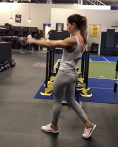 """13.8k Likes, 225 Comments - Alexia Clark (@alexia_clark) on Instagram: """"Swing it out! 1. 15 each side 2. 10 each 3. 20 each side 4. 8 each side 3-5 rounds…"""""""