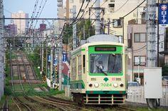 レトロな車体の奥に歴史アリ! 日本を支え続ける交通機関・路面電車の魅力。|IKITOKI