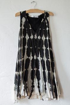 viviana uchitel trapeze dress – Lost & Found Shibori, Cute Dresses, Cute Outfits, Quoi Porter, Textiles, Look At You, Passion For Fashion, Spring Summer Fashion, Dress To Impress