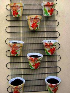 awesome spring garden ideas for front yard and backyard 88 Balcony Garden, Garden Planters, Diy Garden Decor, Garden Art, Diy Decoration, Decor Ideas, Vertical Garden Design, Easy Home Decor, Spring Garden