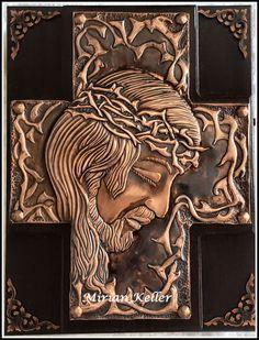 In Memory Christmas Ornaments, Aluminum Foil Art, Image Jesus, Tin Can Art, Pewter Art, Metal Embossing, Jesus Painting, Copper Art, Cardboard Art
