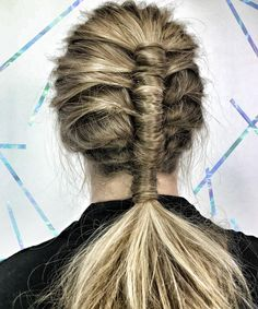 "Stylists Are Freaking Out Over This ""Pipe Braid"" Technique #refinery29"