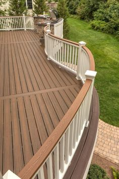 Deck railing isn't just a safety and security feature. It can add a spectacular visual to mount a decked location or veranda. These 36 deck railing ideas show you how it's done! Deck Railing Design, Patio Deck Designs, Deck Railings, Patio Design, Patio Ideas, Back Deck Designs, Outdoor Deck Decorating, Deck Colors, Pergola Patio