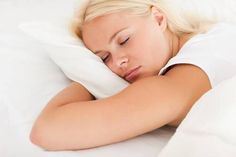 If you're a stomach sleeper, your pillow choice matters! So which pillows if the best pillow for stomach sleepers? Find out on Pillow Talk Zone! Side Sleeper Pillow, Joko, Best Pillow, Neck Pain, Uni, Pillows, Beauty, Tips, Cushions