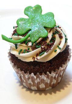 Shamrock cupcake idea