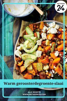 Warm geroosterdegroente-slaai Recipe Boards, Cobb Salad, Salads, Vegan Recipes, Warm, Vegetables, Cookies, Dressings, Food