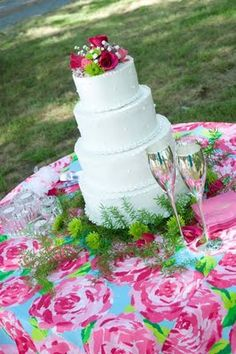 """Fun tablecloth for the cake table?  I think so!  Brides... have FUN with your decor...  why be boring???  no one remembers a wedding where people play it """"safe"""""""