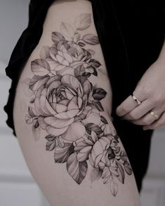 Search inspiration for a Blackwork tattoo. Flower Hip Tattoos, Hip Thigh Tattoos, Waist Tattoos, Floral Thigh Tattoos, Flower Tattoo Drawings, Hip Tattoos Women, Ankle Tattoo, Arm Tattoo, Cover Up Tattoos