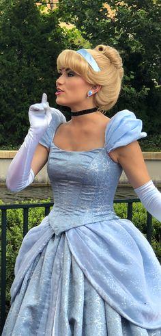 Cinderella Cosplay Disney Princess Cosplay, Cinderella Cosplay, Disney Princess Cinderella, Disney Cosplay, Disney Princesses, Cinderella Blue Dress, Belle Dress, Cosplay Ideas, Cosplay Costumes