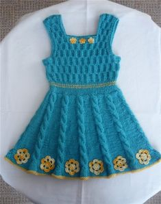 Knitting 2017 Baby Dress Models and Turkish Video Expression Knitting . Easy Girls Dress, Dresses Kids Girl, Kids Outfits, Knit Baby Dress, Knitted Baby Clothes, Easy Knit Baby Blanket, Baby Overall, Crochet Bikini Pattern, Easy Knitting