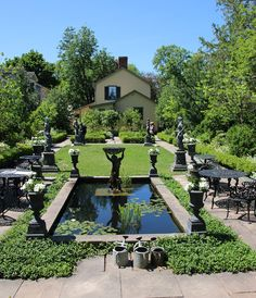 Garden Making issue No. 23 celebrates 36 great gardens across Canada. Images and ideas from the 36 home gardens as well as tips on garden tours. Home And Garden, Canada, Gardens, Tours, Mansions, House Styles, Celebrities, Outdoor Decor, Image