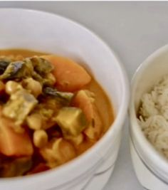 Foto Thai Red Curry, Mashed Potatoes, Ethnic Recipes, Food, Legumes, Whipped Potatoes, Smash Potatoes, Essen, Meals