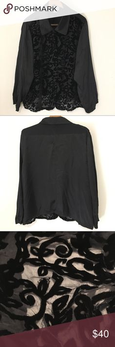 """Diane Von Furstenberg Velvet Burnout Black Top Blk Pre-owned Diane Von Furstenberg Silk Assets Top: Black. 2X. Velvet, Burnout. Velvet Covered Buttons. Button Cuffs. Made of: 76% Silk. 24% Rayon. Pit To Pit: 25.5"""" (50.50"""" All Around). Length: 26.25"""" *Measurements are approximate* Normal wear--appears to be no visible/major flaws Diane Von Furstenberg Tops Blouses"""