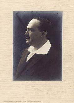 Retrato.  23 x 16,5 cm, en h. de 34,5 x 25 cm.  [Colección de material gráfico de Vicente Blasco Ibáñez] (1900-19??)