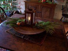 Williamsburg Christmas, Colonial Williamsburg, Primitive Christmas, Country Christmas, Primitive Decor, Christmas Centerpieces, Christmas Decorations, Christmas Ideas, Art Education