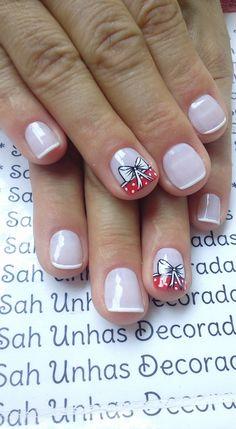 Para quem usa unhas curtas, vejam 28 modelos lindos de unhas decoradas!! 89 Fotos de Unhas Curtas Decoradas ACESSE AGORA AO MELHOR CURSO DE MANICURE, PREÇO ESPECIAL SOMENTE HOJE ((CLIQUE AQUI)) Nexgen Nails Colors, Nail Colors, Christmas Nail Designs, Christmas Nails, Mani Pedi, Manicure And Pedicure, Nail Polish Style, Jelly Nails, Pretty Nail Art