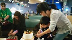 My Birthday Party With My Best Friends Of 2016! At Zone Bowling! Saturday December 3rd,2016! My Brother & I Cutting My Birthday Cake!🎳😄😊☺😉😍😘❤💜💙💚💛💗💘💞💖💕💓💌💋💎💍👣💝🎍🎂🍰🎋🎉🎊🎈🎁