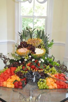Cascading fruit display