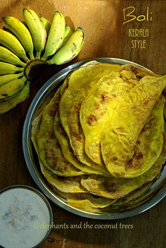 elephants and the coconut trees: Boli Kerala Style / Puran poli / Kerala sadya… Indian Sweets, Indian Snacks, Indian Food Recipes, Vegetarian Recipes, Kerala Recipes, Indian Breads, Indian Desserts, Snack Recipes, The Bo