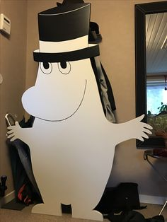 Moomin welcomes me in the hall and  functions as a coat hanger.  DIY He also gladely takes care of my hats.