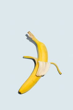 banana's inner self. by Bobby Doherty. Platano Y Banana, Still Life Photography, Art Photography, Surrealism Photography, Product Photography, Creative Photography, Bananas, Banana Art, Still Life Art