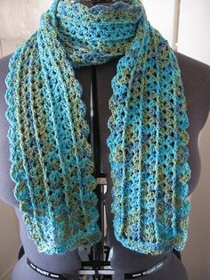 Urban Shells scarf - interesting variations depending on yarn weight & hook size.  #crochet