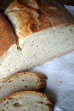Il pane con la pasta madre | http://www.ilpastonudo.it/lievito-naturale/il-pane-con-la-pasta-madre/