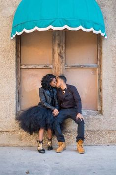 Everyone else wants to as happy as they possibly can be with their partner. Have a look at these 11 things couples may do to build and sustain a happier and healthy relationship. Engagement Couple, Engagement Pictures, Engagement Shoots, Engagement Ideas, Elegant Engagement Photos, Engagement Inspiration, Couple Style, Couple Goals, Black Love Couples