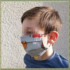 """Tuto : Un masque facial """"avec recharge"""" Diy Masque, Couture Sewing, Sewing Clothes, Sewing Hacks, Mens Sunglasses, Attention, Actuel, Officiel, Style"""