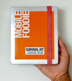 mobile foodie survival kit: pocket-size set of organic seasonings! (via http://www.fresh365online.com/ask-e/2010/6/3/college-friendly-recipes.html)