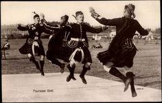 """""""Reel men love tae dance!"""""""