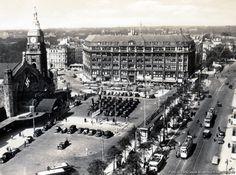 1938 Hamburg - Blick auf Hauptbahnhof und Bieberhaus - Hachmannplatz 2 (20099 St Georg) ☺ S Bahn Hamburg, Hamburg Germany, St Georg, Lower Saxony, Historical Pictures, Geography, Vintage Photos, Places Ive Been, Paris Skyline