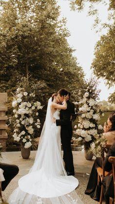 Tent Wedding, Dream Wedding Dresses, Wedding Ceremony, Table Wedding, Nyc Wedding Photographer, Wedding Photography Poses, Wedding Photo Poses, Vintage Wedding Photography, Vogue Wedding