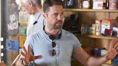 From Peach Pit to Hope-Z, #JasonPriestley directs an episode of #SavingHope! #CTV
