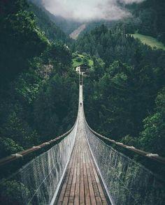 Pont suspendu d Ernen, Suisse