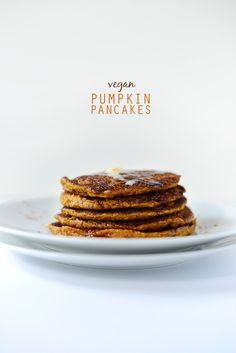 Vegan Pumpkin Pancakes | via minimalist baker